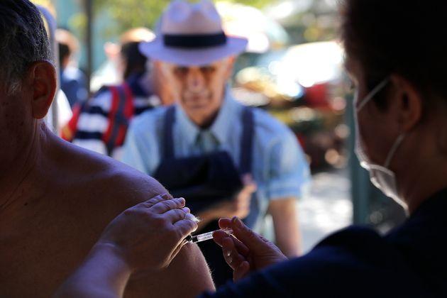 ΠΟΥ: Στο τραπέζι «e-πιστοποιητικό εμβολιασμού» για τα
