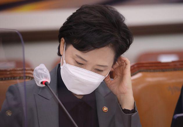 김현미 국토교통부 장관은 2017년 문재인 정부 출범과 함께 국토교통부 장관을