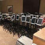 ΗΠΑ: Συνταρακτική εικόνα με δεκάδες τάμπλετ σε ΜΕΘ για το στερνό αντίο στους ασθενείς