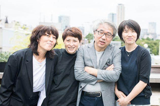 川村さん(左から2人目)とジャパンハート最高顧問の吉岡秀人さん(同3人目)ら