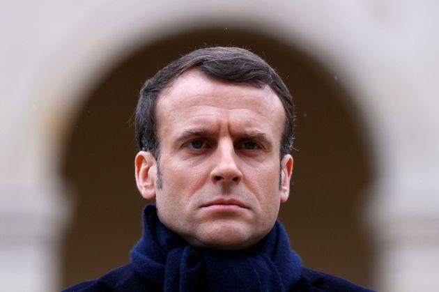 Emmanuel Macron piégé par son retour du