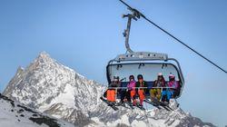 En Suisse, des cohues de skieurs font
