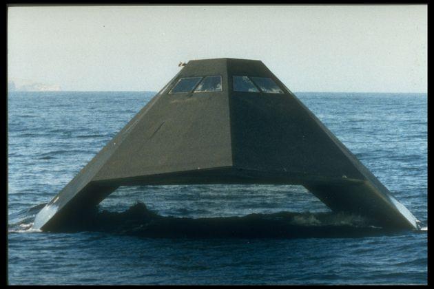 Sea Shadow: Το «αόρατο» πολεμικό πλοίο που δεν τέθηκε ποτέ σε