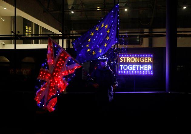 Τελευταία ζαριά για το Brexit: Επανεκκίνηση των διαπραγματεύσεων στις