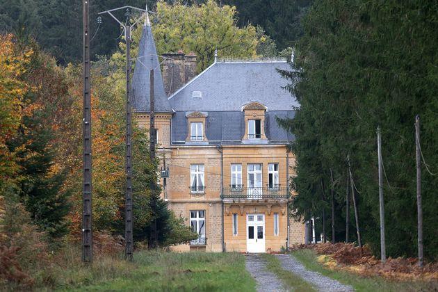 Le château de Sautou, ancienne propriété du tueur en série Michel Fourniret, le 27 octobre