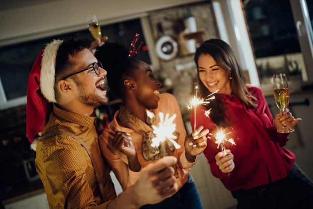 À l'approche des fêtes de fin d'année, la plateforme de location Airbnb a décidé...