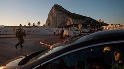 Los trabajadores en Gibraltar, los primeros españoles en ponerse la vacuna para el