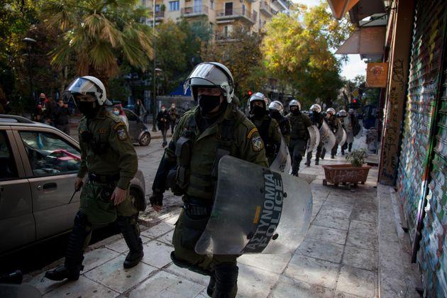 Μπαράζ συλλήψεων στα Εξάρχεια για την επέτειο της δολοφονίας Γρογορόπουλου - Έφτασαν τις