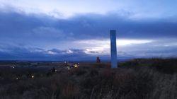 Aparece en Ayllón (Segovia) una copia del monolito que trae loco a medio