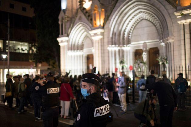 Brahim Aouissaoui avait tué trois personnes au sein de la basilique de Nice le 29 octobre. Il...