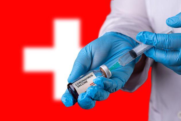 La Suisse joue la prudence (ou son propre tempo) pour autoriser les premiers vaccins contre le