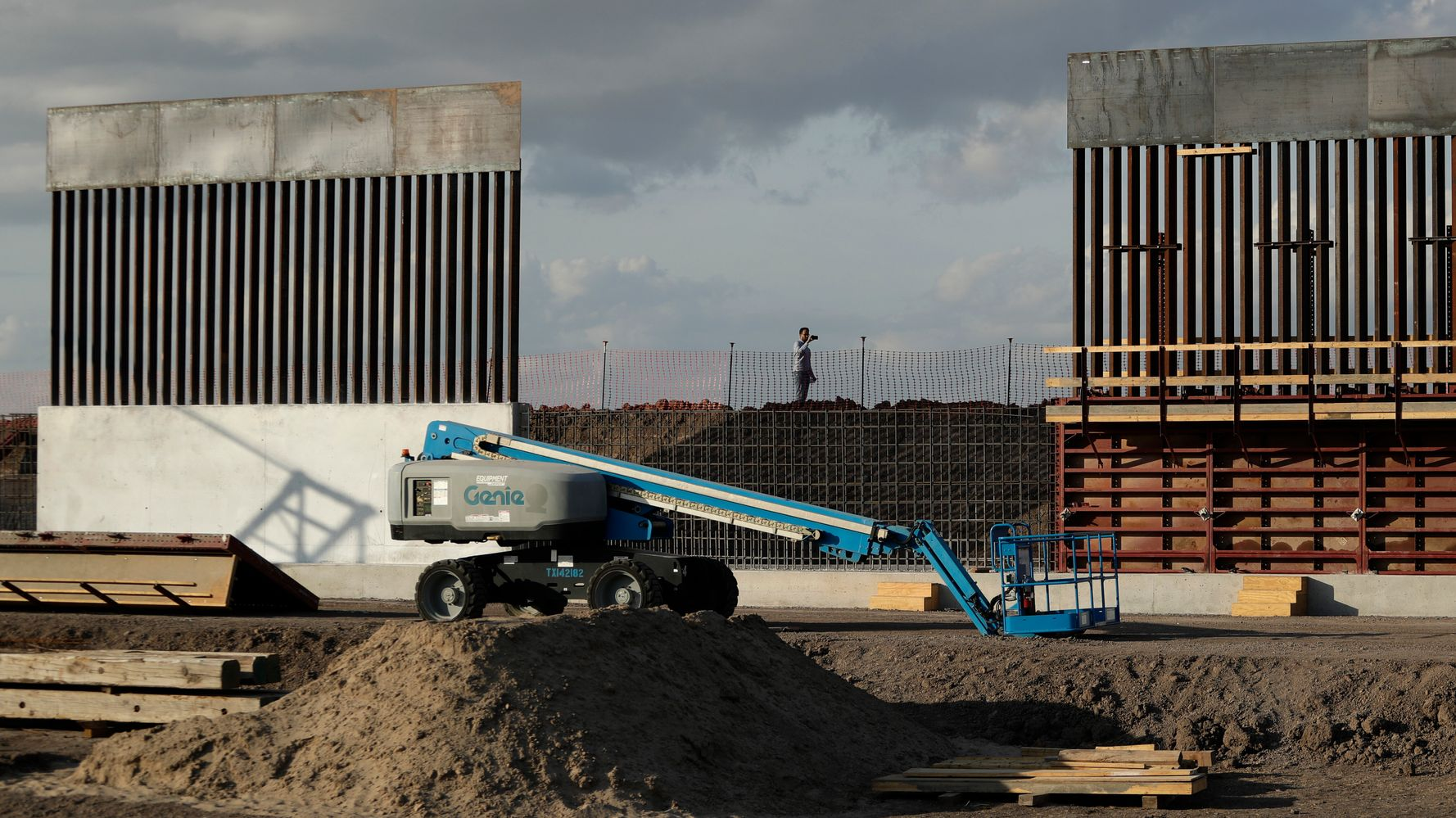 Contractors Smuggled Armed Mexican Nationals To Guard Trump's Border Wall: Complaint