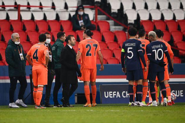 Confusion au Parc des Princes lors de PSG-Basaksehir Istanbul en Ligue des champions, le 8 décembre...