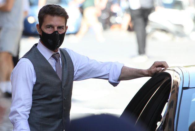 マスク姿のトム・クルーズさん=2020年10月9日、イタリア・ローマ