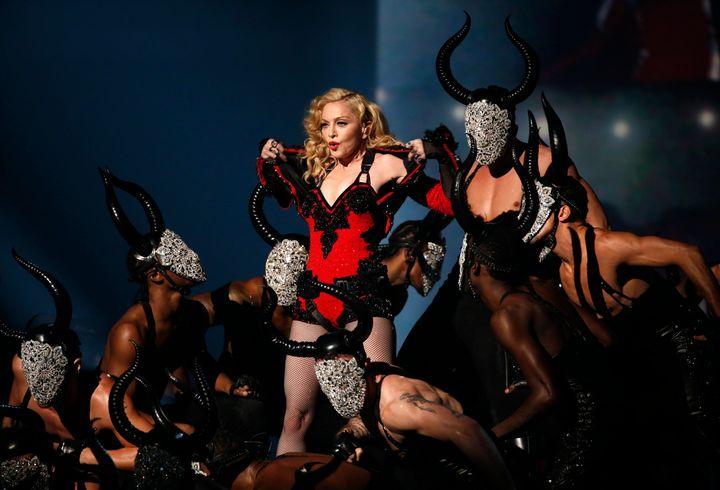 Η Μαντόνα στα 57α ετήσια βραβεία Γκράμι στο Λος Αντζελες.