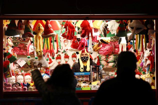 Estampa navideña de las calles de Madrid durante la