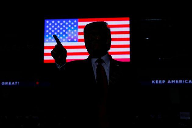 Donald Trump, ici photographié lors d'un meeting au Nouveau-Mexique en septembre 2019, prépare...