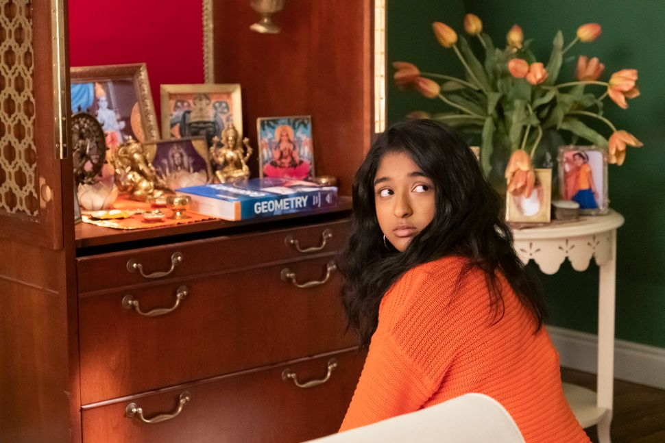 """""""Never Have I Ever"""" was such a delight. Maitreyi Ramakrishnan as Devi, a high school sophomore who is temporarily paralyzed a"""
