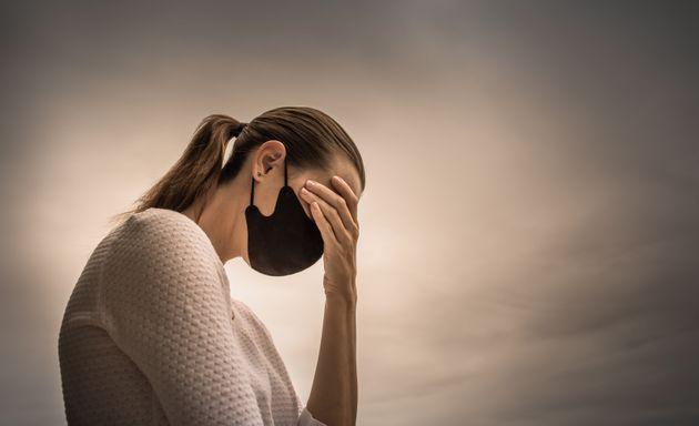 «Ανησυχώ ότι θα είναι μόνιμα»: Η γυναίκα που υποφέρει από συμπτώματα κορονοϊού εδώ και εννιά