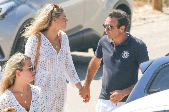 Enrique Ponce y Ana Soria en Almería, en julio de 2020.