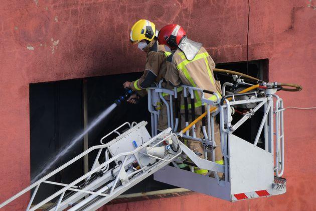 Βαρκελώνη: Πυρκαγιά σε κατάληψη μεταναστών - Τρεις