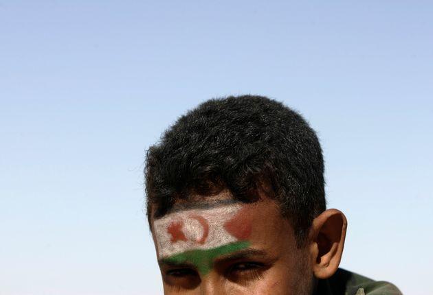 Imagen de archivo de un niño saharaui en los campamentos de refugiados de Tinduf, Argelia, con...