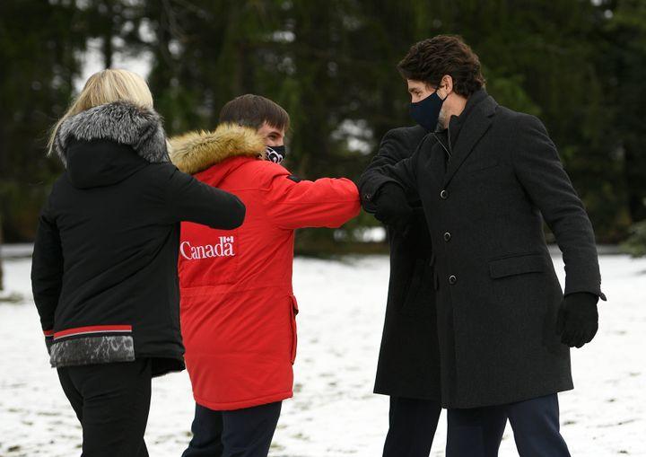 Catherine McKenna, Steven Guilbeault et Justin Trudeau.