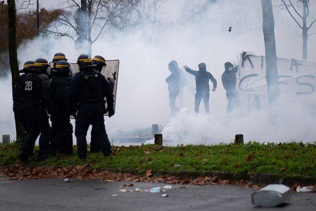Ce dimanche 13 décembre, des supporters opposés à la direction du FC Nantes emmenée par Waldemar Kita...
