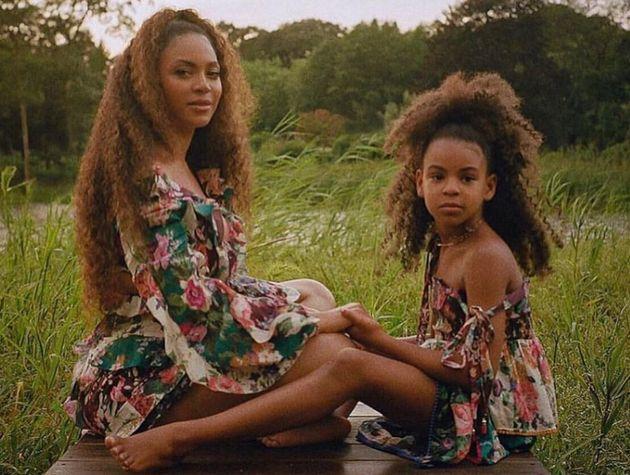 Blue Ivy Carter et Beyoncé dans le clip de