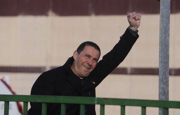 El dirigente de la izquierda abertzale, Arnaldo Otegi, sale de la cárcel de Logroño en...