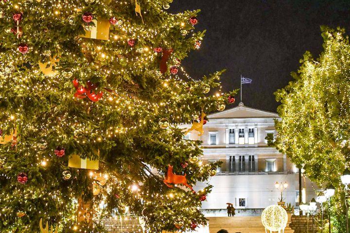 Το χριστουγεννιάτικο δέντρο στην πλατεία Συντάγματος