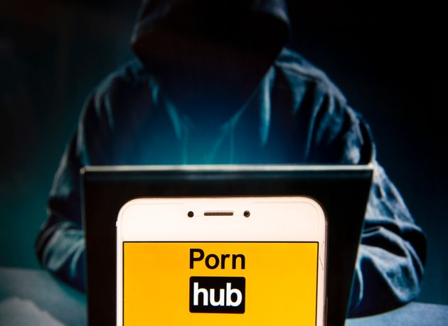 세계 최대 불법음란물 및 성착취물 사이트 폰허브(Pornhub)에서 동영상 수백만개가 사라지고