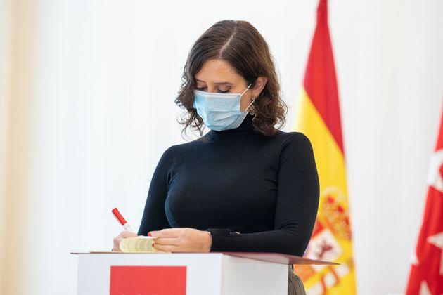 Isabel Díaz Ayuso, en un acto el 13 de noviembre de 2020 (Oscar Gonzalez/NurPhoto via Getty