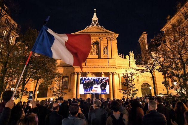 L'hommage à l'enseignant Samuel Paty retransmis Place de la Sorbonne à Paris, le 21 octobre...