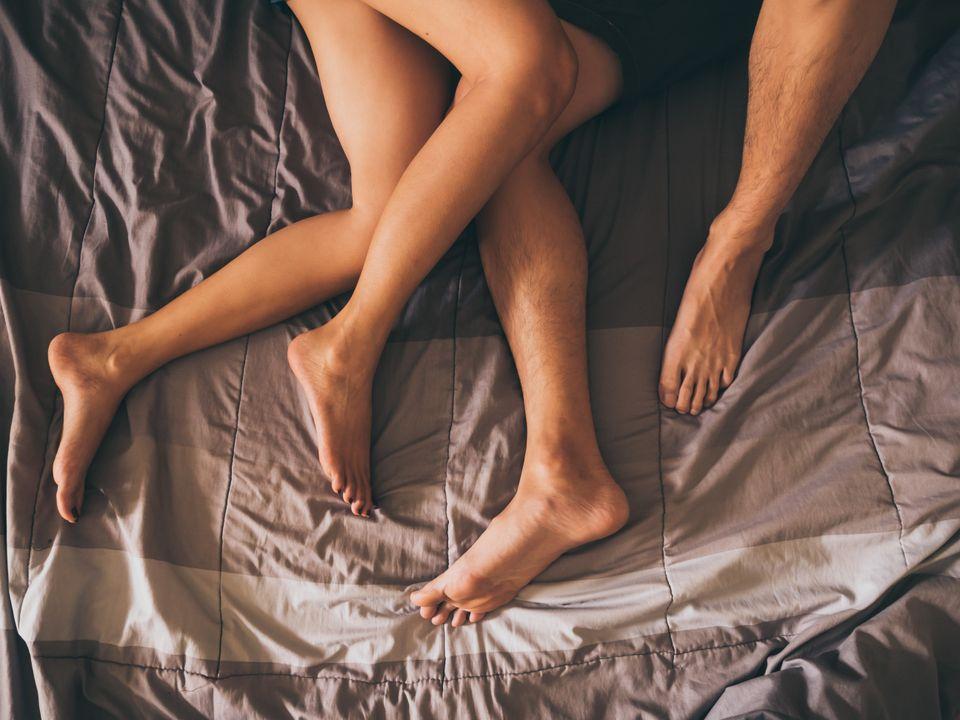오래 만난 연인 딱 한 명이랑만 섹스를 해봤는데, 다른 사람과도 해 볼 필요가 있을까?