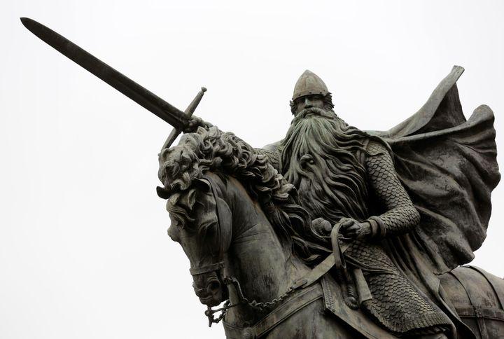 La estatua de El Cid Campeador en Burgos.