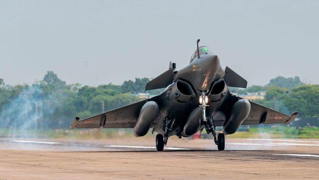 Το 2021 η απόκτηση των πρώτων έξι μαχητικών Rafale από την