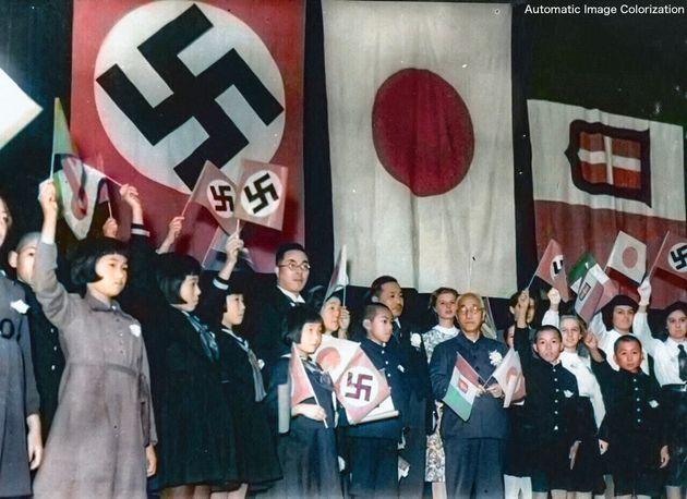 日独伊三国同盟の祝賀会の写真をカラー化(渡邉英徳教授のTwitterより)