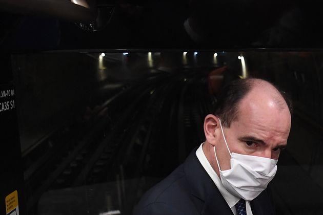 Après un test RT-PCR réalisé dès l'apparition de premiers symptômes, le président Emmanuel Macron a été...