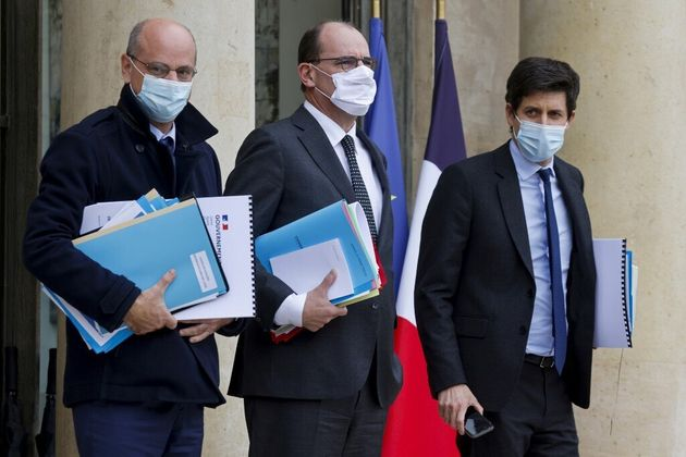 Pourquoi les ministres ne sont pas automatiquement considérés comme cas contacts de Macron...