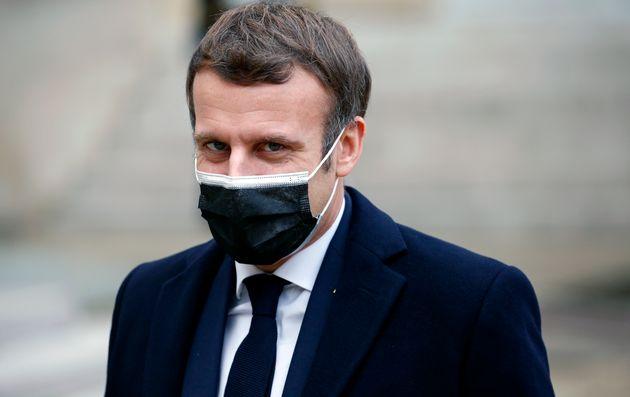 Macron positivo, la République in