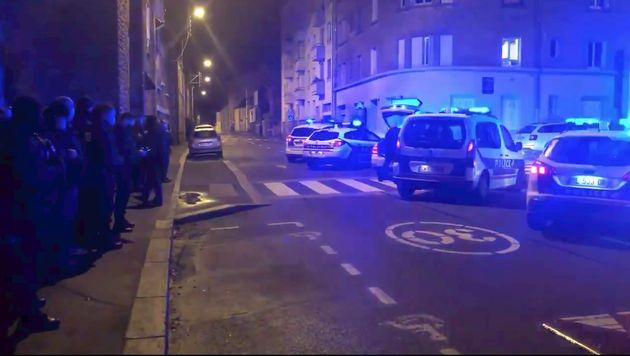 Des policiers manifestent devant son domicile, la maire de Rennes dénonce une