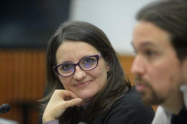 Mónica Oltra, en una imagen de archivo, junto a Pablo