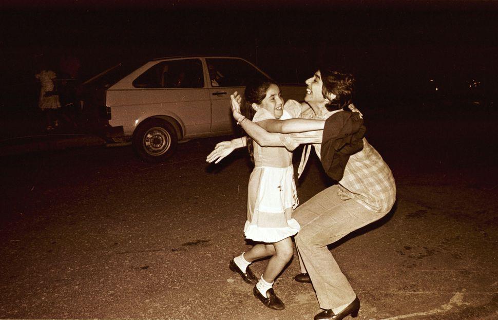 Celiberti se reencuentra con su hija el 19 de noviembre de 1983, el día que salió de la