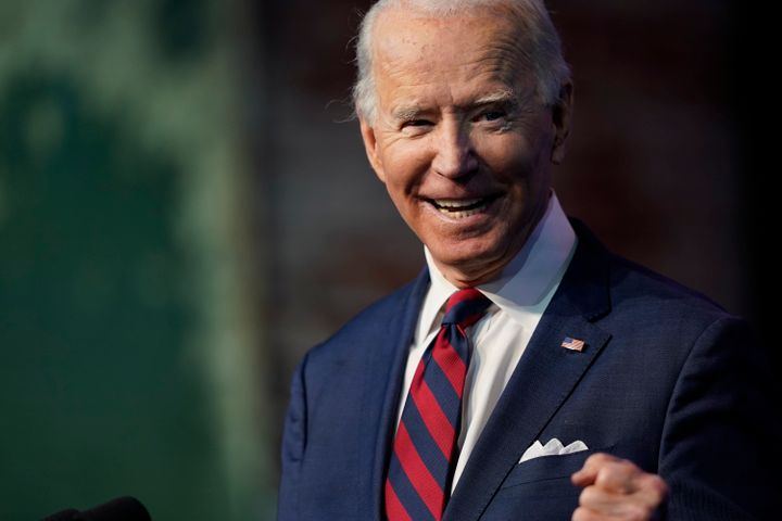 Le président élu Joe Biden annonce les membres de son équipe climat et énergie au Queen Theatre de Wilmington Del., le samedi 19 décembre 2020.