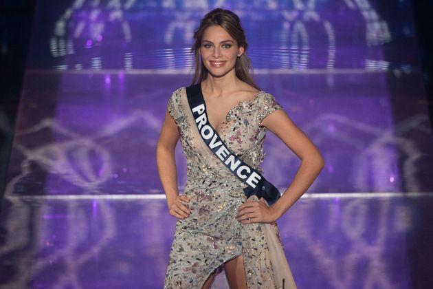 Miss Provence, April Benayoum, lors du concours Miss France 2021 au Puy-du-Fou le 20 décembre