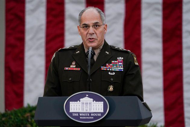 ΗΠΑ: Το λάθος του στρατηγού που τίναξε στον αέρα τον προγραμματισμό εμβολιασμού σε 14