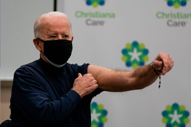 조 바이든 미국 대통령 당선인 부부가 코로나 백신을 맞았다