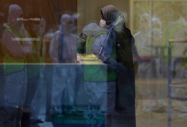 Βρετανία: Πώς μια σειρά λαθών οδήγησε στην μετάλλαξη του