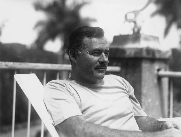 Quand Claude Brasseur parlait de son parrain Ernest Hemingway (photo d'illustration: l'écrivain...
